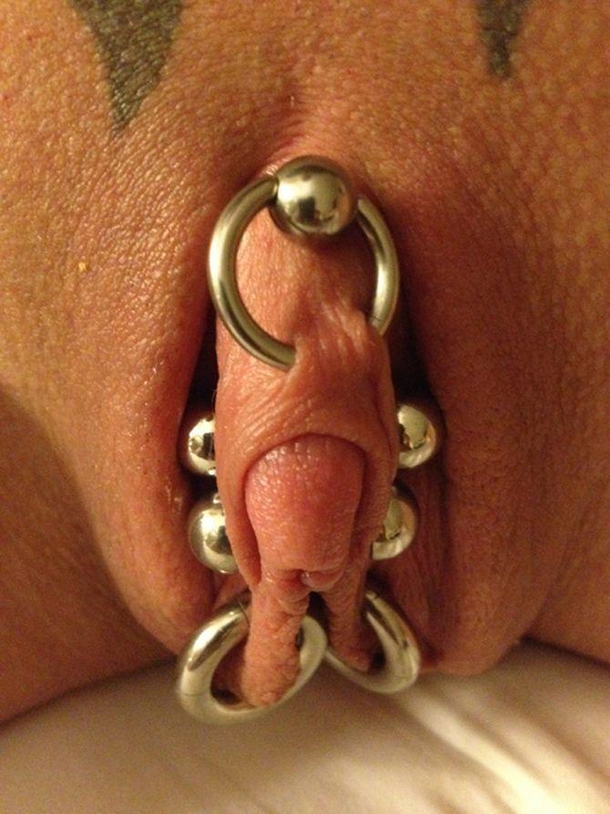 пирсинг женских половых органов видео дверь выбить